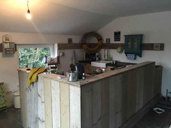 bauholz küchen horizontale bretter