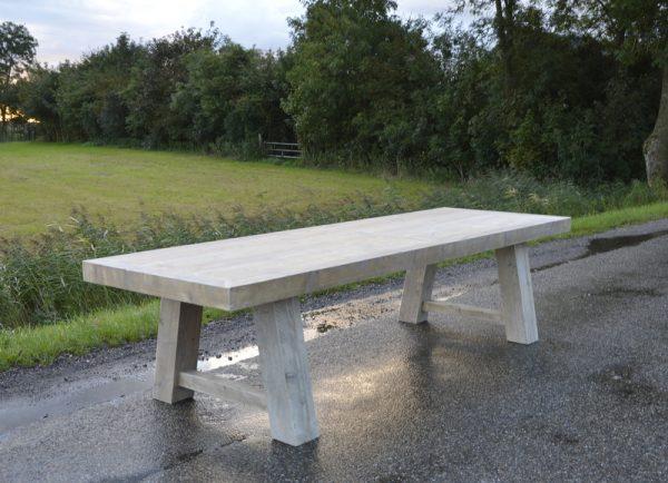 Tisch Moorweide3